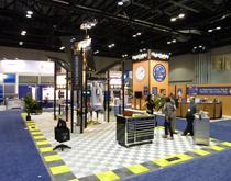 展台搭建地面铺设怎么做好 展览搭建展位用地面材料