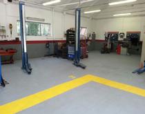 汽车修理厂地面材料用什么 汽车4s店维修车间地砖 4s店维修区地砖