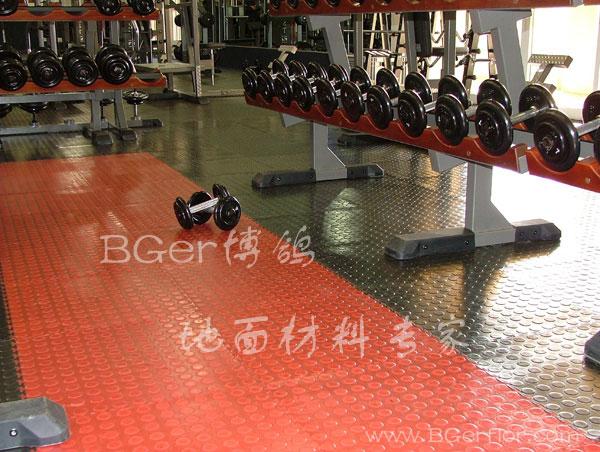 健身房地板材料 锁扣式 快速铺装 红色+黑色 健身房塑胶地板片材