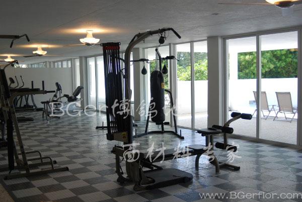 健身房力量区地面地板材料 健身房用片材塑胶地板