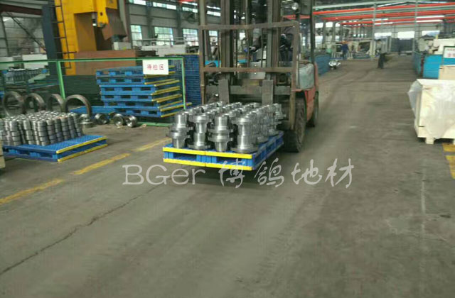 工厂载重货定制型托盘 高分子材料 组合式叉车托盘 叉车搬运货物托盘