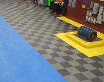 为什么要用工业塑胶地板覆盖会改造混凝土工业地板?